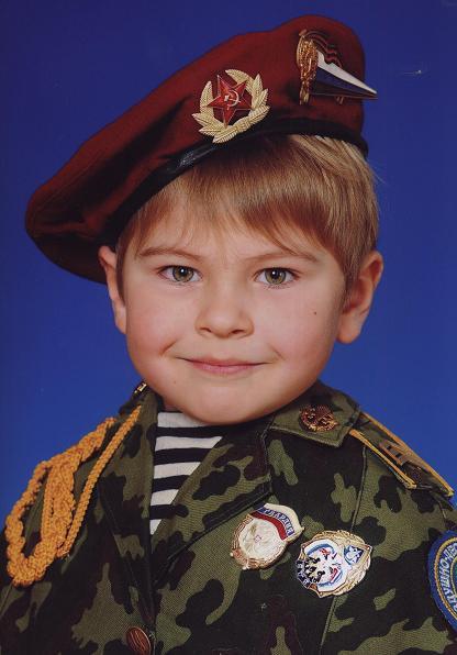 Внук Максим , такой боевой!.JPG